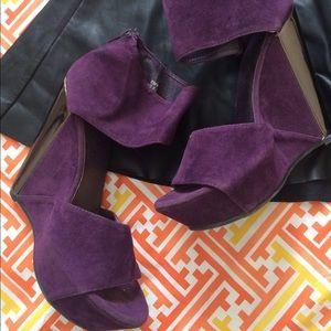 Purple suede  wedges🔹slightly loved🔹
